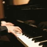 ピアノを弾くと頭が良くなる?!